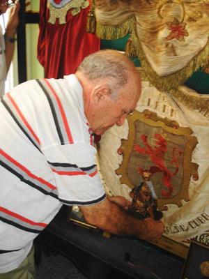 España Exterior 1550550-colocacion_en_la_vitrina.