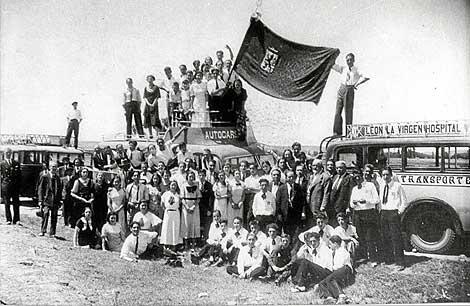Orfeon Leones Estreno del 'Himno a León', en Hospital de Órbigo el 25 de julio de 1934