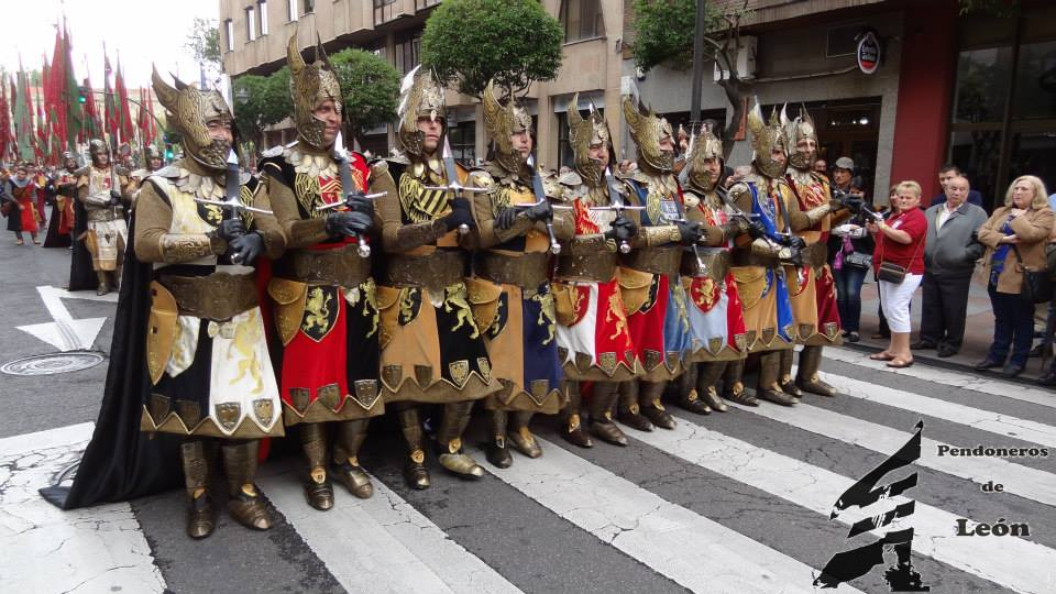 S Froilan 2014 MOros y C Alcoy Fb Pendoneros de Leon