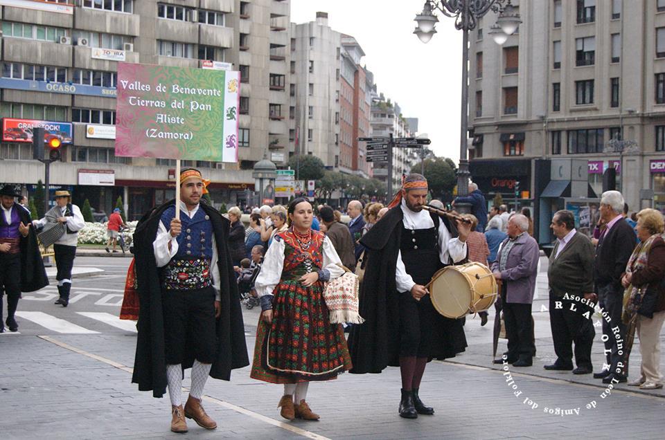 S Froilan 2014 representacion Benav y sus Valles Asoc Rey D Sncho Fb Arlafolk